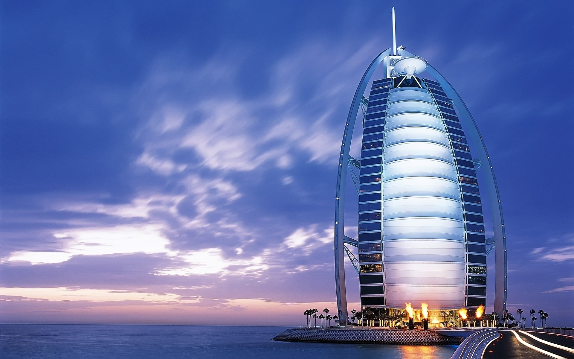 the_burj_al_arab_7_star_luxury_hotel_at_dubai
