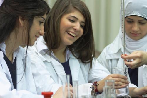 Femmes d'Algerie in Social Service